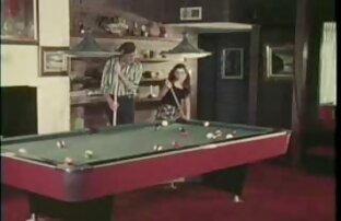 دو مو بور پس از یک بازی سکس با خواهر زن خوشگل بیلیارد رابطه جنسی با یک اساسنامه